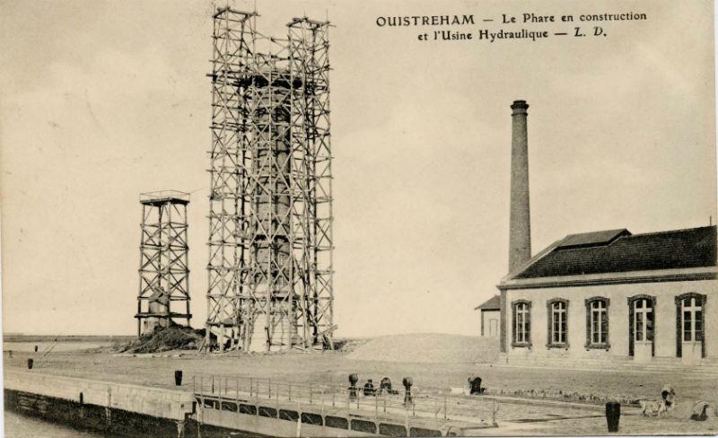 La construction du phare de Ouistreham