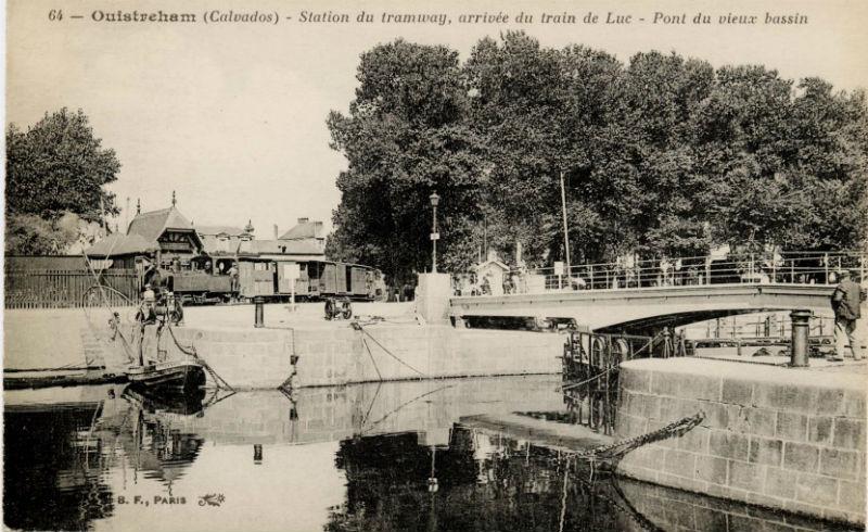 Le port de ouistreham et le petit train